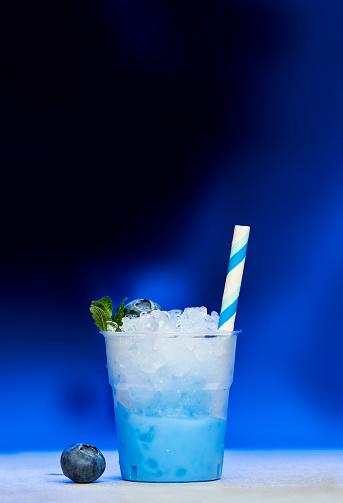 Mint Leaf - Culinary「Plastic cup of blueberry slush」:スマホ壁紙(9)