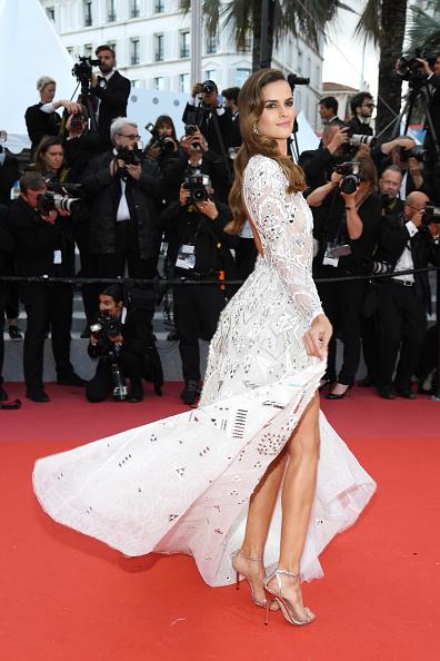 "Alternative Pose「""Sink Or Swim (Le Grand Bain)"" Red Carpet Arrivals - The 71st Annual Cannes Film Festival」:写真・画像(15)[壁紙.com]"