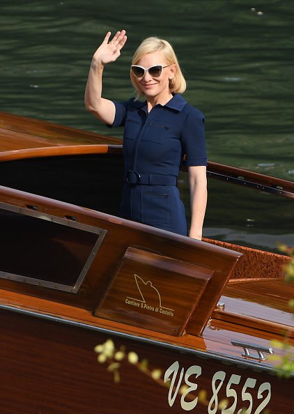 Venice - Italy「Celebrity Excelsior Arrivals During The 77th Venice Film Festival - Day 9」:写真・画像(19)[壁紙.com]