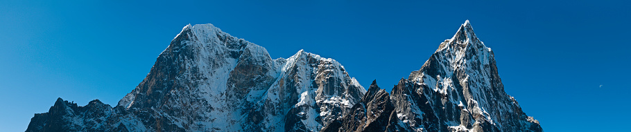 Khumbu「High altitude pinnacles unclimbed north face Cholatse Tawoche Himalayas Nepal」:スマホ壁紙(15)