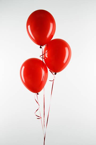 Red balloons:スマホ壁紙(壁紙.com)