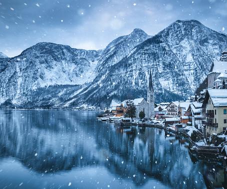 Salzkammergut「Winter Day In Hallstatt」:スマホ壁紙(16)