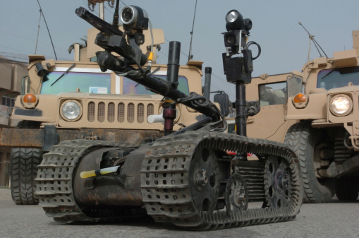 Claw「Explosive Ordnance Disposal robot used to safely inspect unsafe situations.」:スマホ壁紙(10)