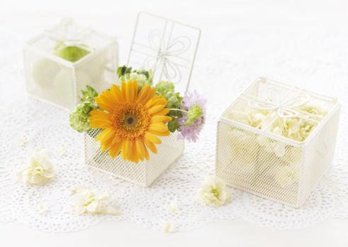 花「Flower gift box」:スマホ壁紙(6)