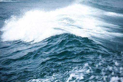 Splashing「Bulgaria, Black Sea, Splashing waves」:スマホ壁紙(18)