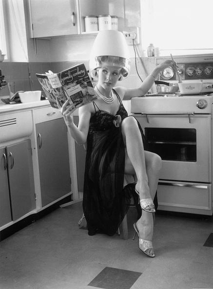 Actress「Kitchen Salon」:写真・画像(0)[壁紙.com]