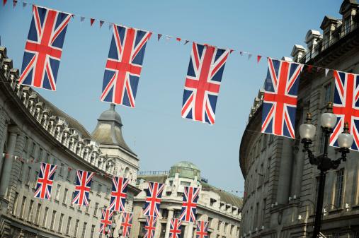 ユニオンジャック「ユニオンジャックの英国国旗全体のハングロンドン Street」:スマホ壁紙(18)