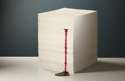 Effort「Blood Leaking from Paper Stack」:スマホ壁紙(7)
