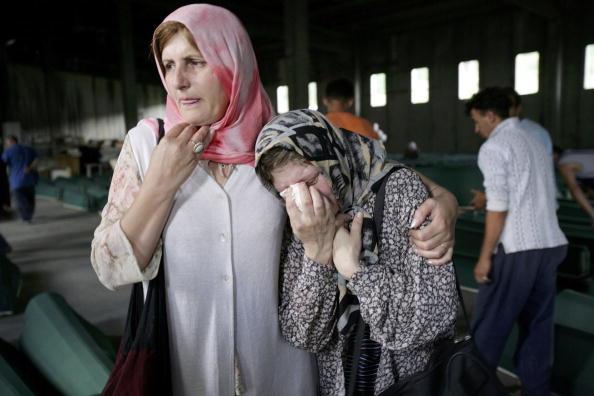 Marco Di Lauro「Srebrenica Prepares For Mass Funeral To Commemorate 10th Anniversary Of Massacre」:写真・画像(11)[壁紙.com]