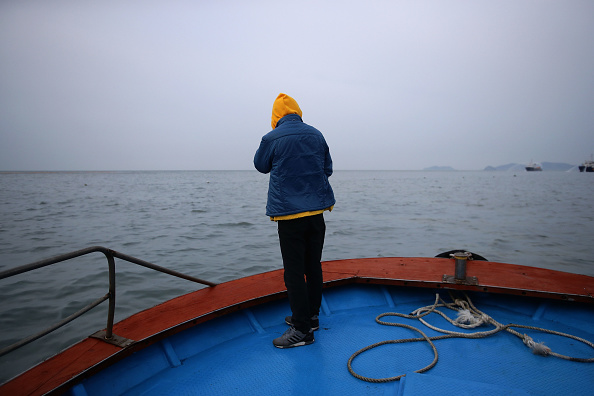 Passenger Craft「South Korea Attempts To Salvage Sunken Sewol Ferry」:写真・画像(15)[壁紙.com]