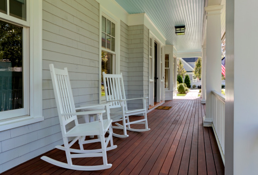 Tradition「Front porch of new custom built home」:スマホ壁紙(0)