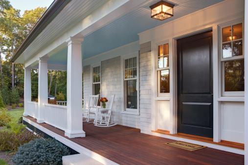 USA「Front porch of new custom home with sun light.」:スマホ壁紙(9)