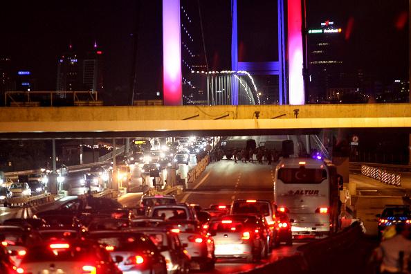 Stringer「Military Occupy Strategic Locations In Turkey :」:写真・画像(9)[壁紙.com]