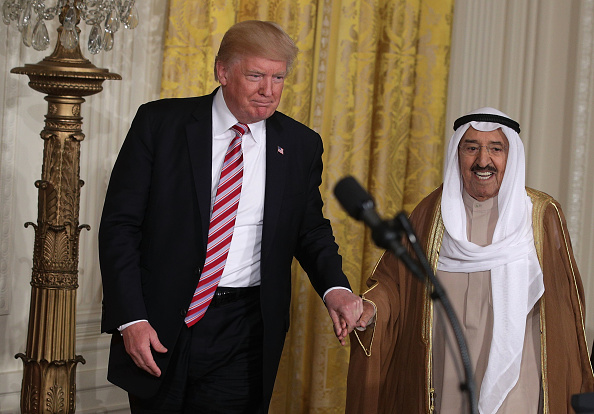 Holding Hands「President Trump Holds Joint News Conference With The Amir Of Kuwait」:写真・画像(6)[壁紙.com]