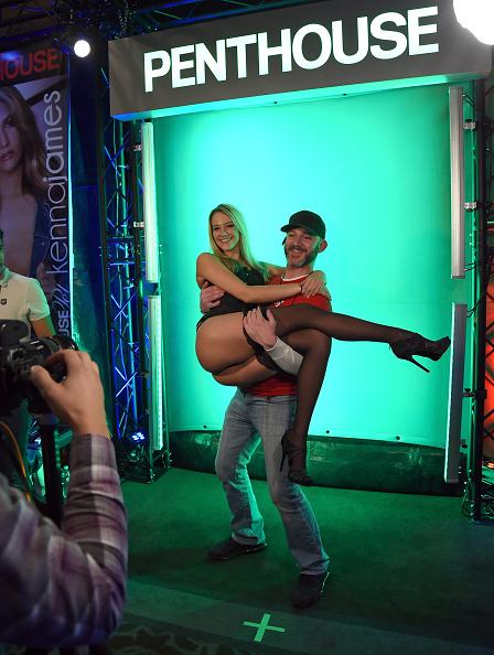 アダルトビデオニュースアダルトエンターテイメントエキスポ「2015 AVN Adult Entertainment Expo」:写真・画像(2)[壁紙.com]