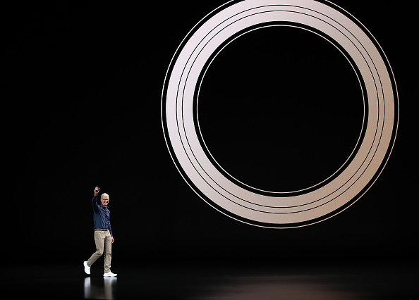 Apple Watch「Apple Debuts Latest Products」:写真・画像(3)[壁紙.com]