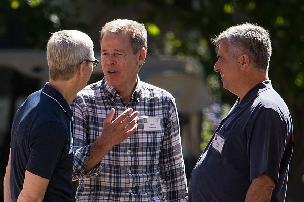 Tim Cook - Business Executive「Tech And Media Elites Attend Allen And Company Annual Meetings In Idaho」:写真・画像(11)[壁紙.com]