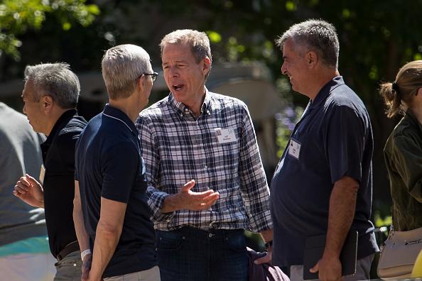 Tim Cook - Business Executive「Tech And Media Elites Attend Allen And Company Annual Meetings In Idaho」:写真・画像(10)[壁紙.com]