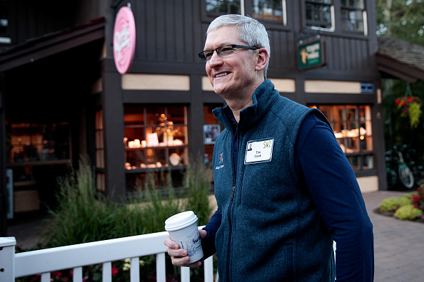 Tim Cook - Business Executive「Annual Allen And Co. Investors Meeting Draws CEO's And Business Leaders To Sun Valley, Idaho」:写真・画像(17)[壁紙.com]