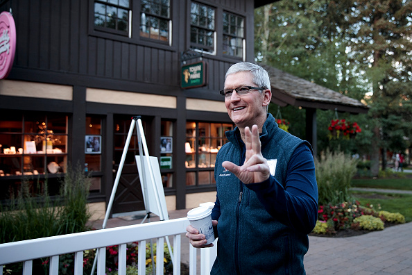 Tim Cook - Business Executive「Annual Allen And Co. Investors Meeting Draws CEO's And Business Leaders To Sun Valley, Idaho」:写真・画像(16)[壁紙.com]