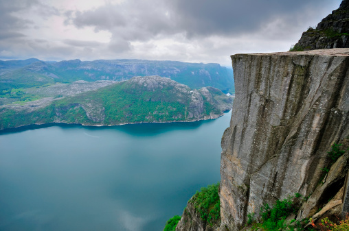 Steep「Preikestolen (Pulpit Rock) and Lysefjord, Norway」:スマホ壁紙(9)