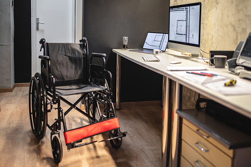 Physical Disability「Business work place of a person with differing abilities」:スマホ壁紙(12)