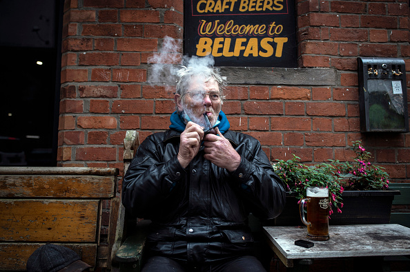 Drinking Glass「Northern Ireland To Impose New Lockdown To Curb Covid-19 Cases」:写真・画像(0)[壁紙.com]