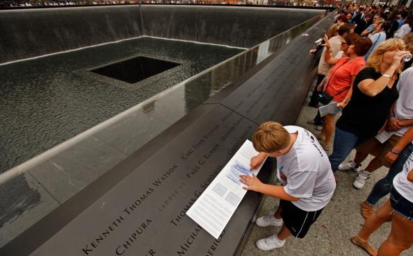 クレヨン「New York City Commemorates 10th Anniversary Of 9-11 Terror Attacks」:写真・画像(18)[壁紙.com]