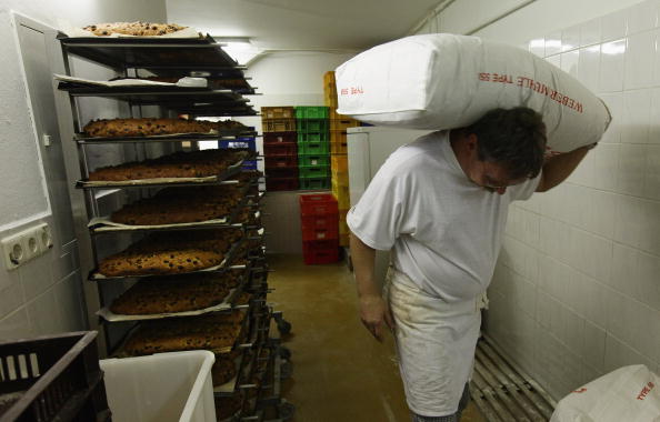 Loaf of Bread「Saxon Artisans Prepare Christmas Delights」:写真・画像(0)[壁紙.com]
