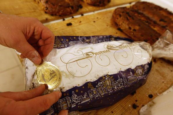 Loaf of Bread「Saxon Artisans Prepare Christmas Delights」:写真・画像(13)[壁紙.com]