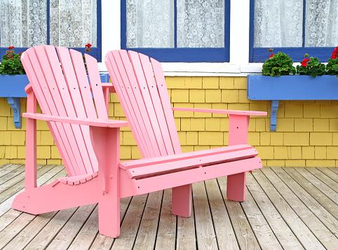 朗らか「ピンク Adirondak チェアを備えております。」:スマホ壁紙(2)