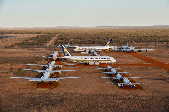 Air Vehicle「Alice Springs Airport Houses Planes Grounded Due To The Coronavirus Pandemic」:写真・画像(16)[壁紙.com]