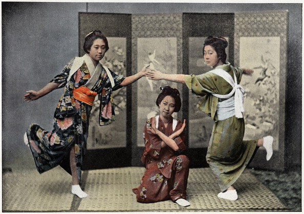 畳「'A Family Dance in Japan', c1890. Artist: Charles Gillot」:写真・画像(5)[壁紙.com]
