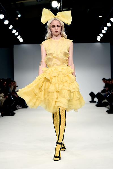 Yellow Skirt「Graduate Fashion Week Sponsored By George At Asda」:写真・画像(1)[壁紙.com]