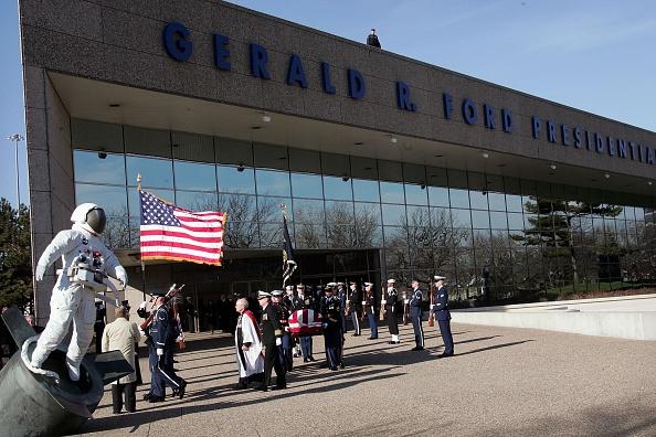 Scott Olson「Former President Gerald Ford Laid To Rest In Michigan」:写真・画像(19)[壁紙.com]