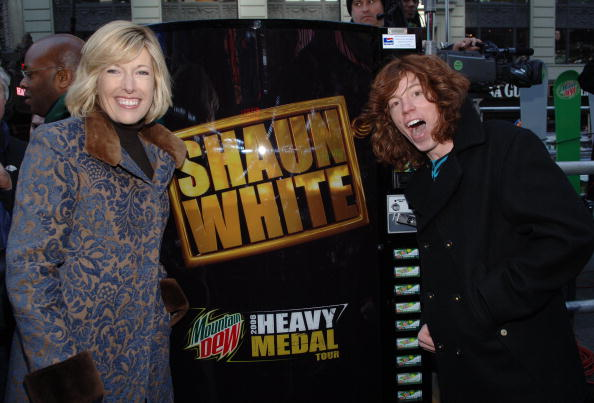 Medalist「Snowboarding in Times Square For Diet Mountain Dew」:写真・画像(8)[壁紙.com]