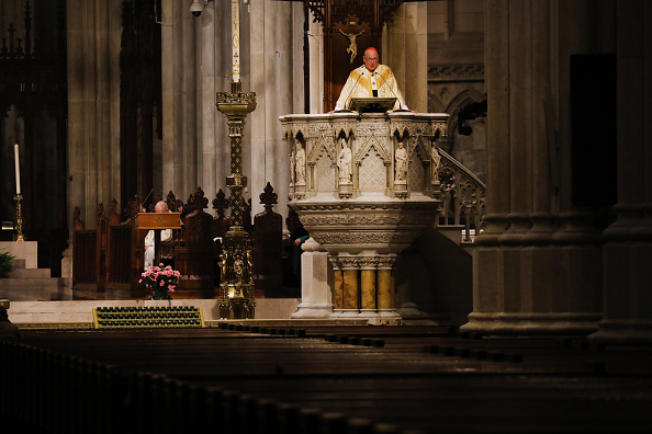 Blank「NYC Archbishop Timothy Dolan Celebrates Easter Mass Inside Empty Cathedral」:写真・画像(18)[壁紙.com]