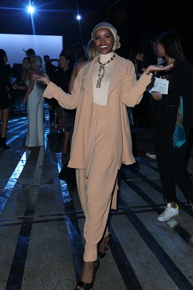 Mercedes-Benz Fashion Week「Carla Zampatti - Front Row - Mercedes-Benz Fashion Week Australia 2019」:写真・画像(17)[壁紙.com]