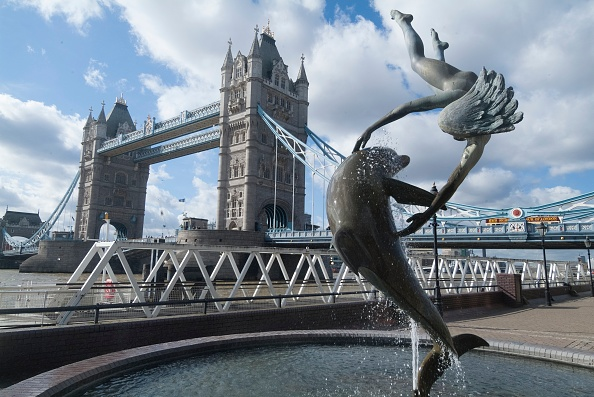 Behind「Tower Bridge」:写真・画像(6)[壁紙.com]
