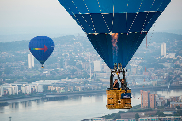 Urban Skyline「Lord Mayor's Hot Air Balloon Regatta」:写真・画像(13)[壁紙.com]