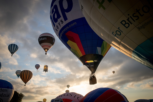 Dawn「Annual Bristol Balloon Fiesta」:写真・画像(10)[壁紙.com]