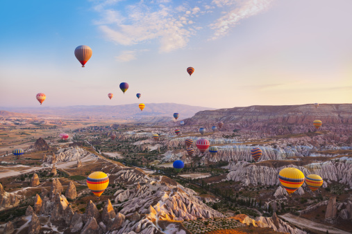 World Heritage「Hot air balloon flying over Cappadocia Turkey」:スマホ壁紙(0)