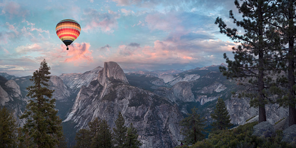 Weekend Activities「Hot air balloon flying over Yosemite, California, United States」:スマホ壁紙(13)
