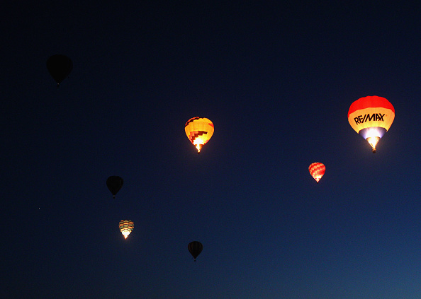 気球「Hot Air Balloons Over Waikato」:写真・画像(17)[壁紙.com]