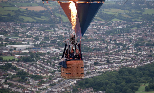 気球「Balloonists Take To The Skies For The Bristol International Balloon Festival」:写真・画像(13)[壁紙.com]