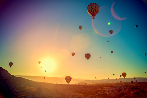 Central Anatolia「Hot Air Balloons Over Cappadocia, Turkey」:スマホ壁紙(18)