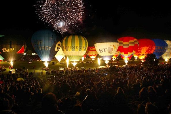 お祭り「2005 Bristol International Balloon Fiesta Opens」:写真・画像(12)[壁紙.com]
