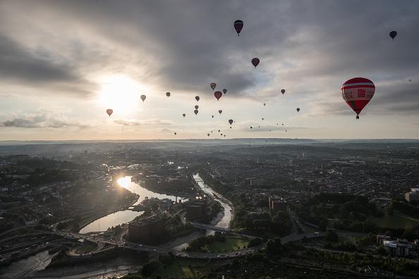 Dawn「Annual Bristol Balloon Fiesta」:写真・画像(8)[壁紙.com]