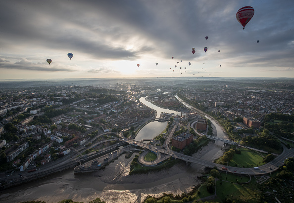 Dawn「Annual Bristol Balloon Fiesta」:写真・画像(9)[壁紙.com]