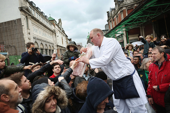 Finance and Economy「Smithfield Market Christmas Meat Auction」:写真・画像(8)[壁紙.com]